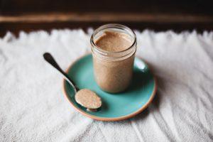 beurre amandes noix jardins palmeraie utilisations culinaires idees recettes desserts collations vinaigrettes